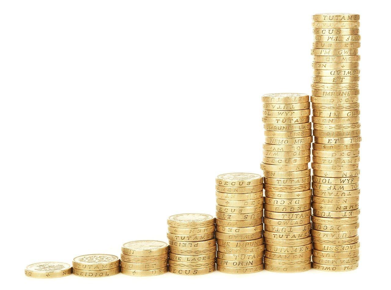 Почему не стоит откладывать много денег про запас?