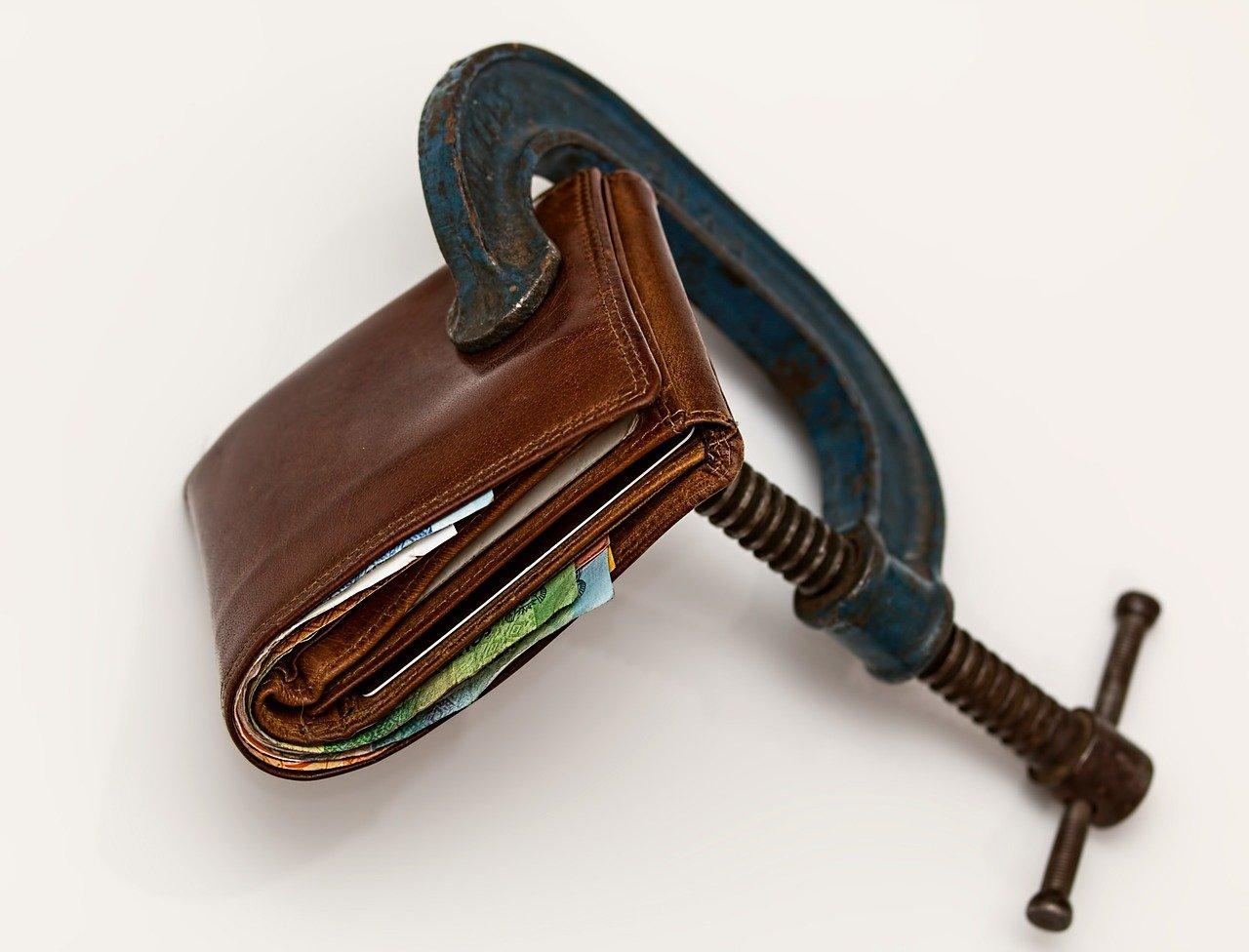 "Цель и последствия введения налога на ""тунеядство"""