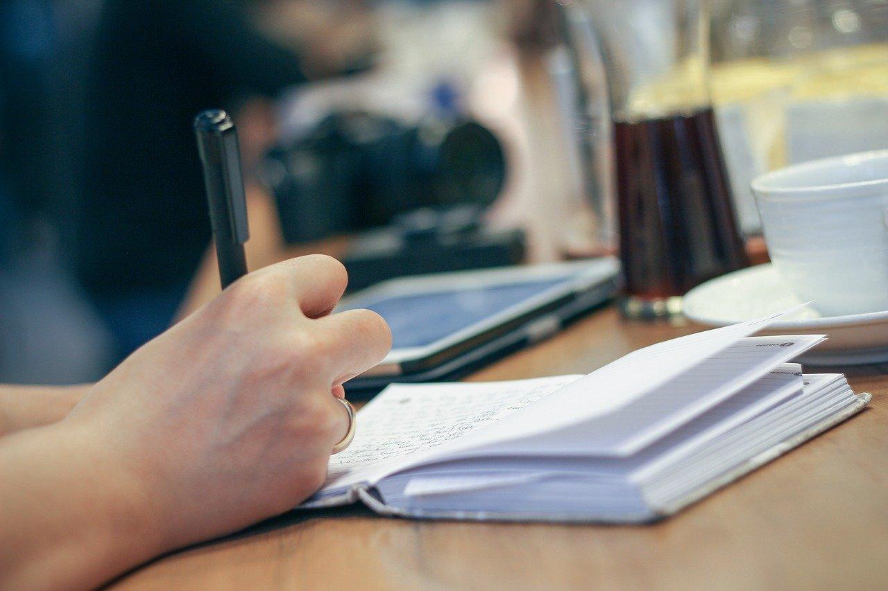 В каких случаях учебу засчитывают в общий трудовой стаж