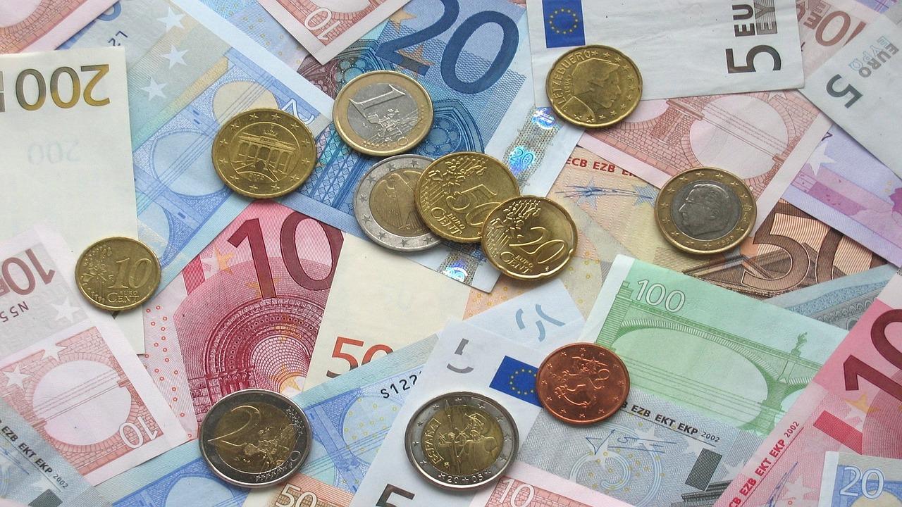 Должников за ЖКУ привлечь к ответственности в 2021 году будет трудно
