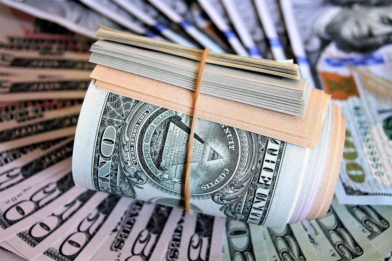 Финансовая пирамида: как определить аферу и сберечь свои деньги