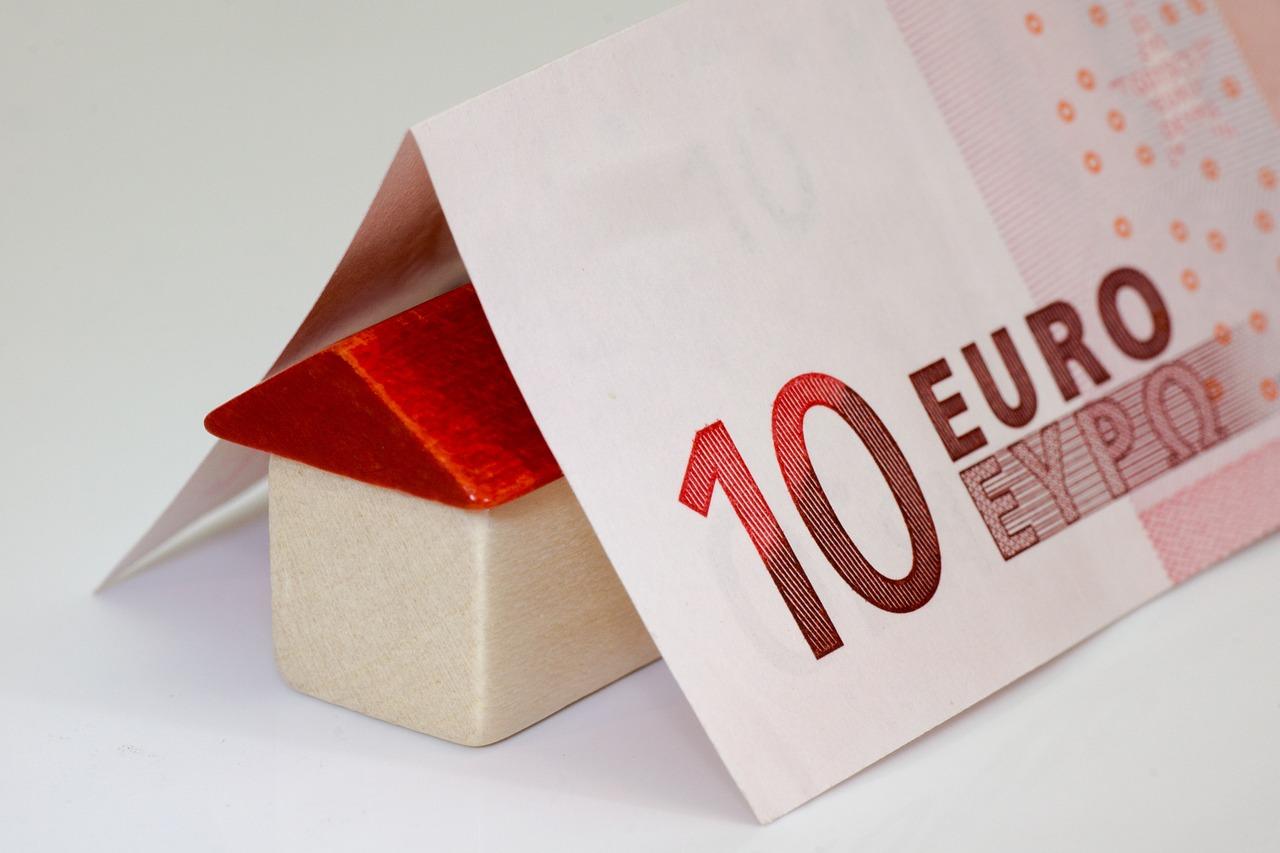 Россиянам сложно оплачивать ипотеку, что может привести к ипотечному кризису